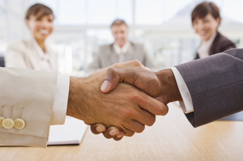 Investors meet entreprenurs and a deal is struck with a handhake